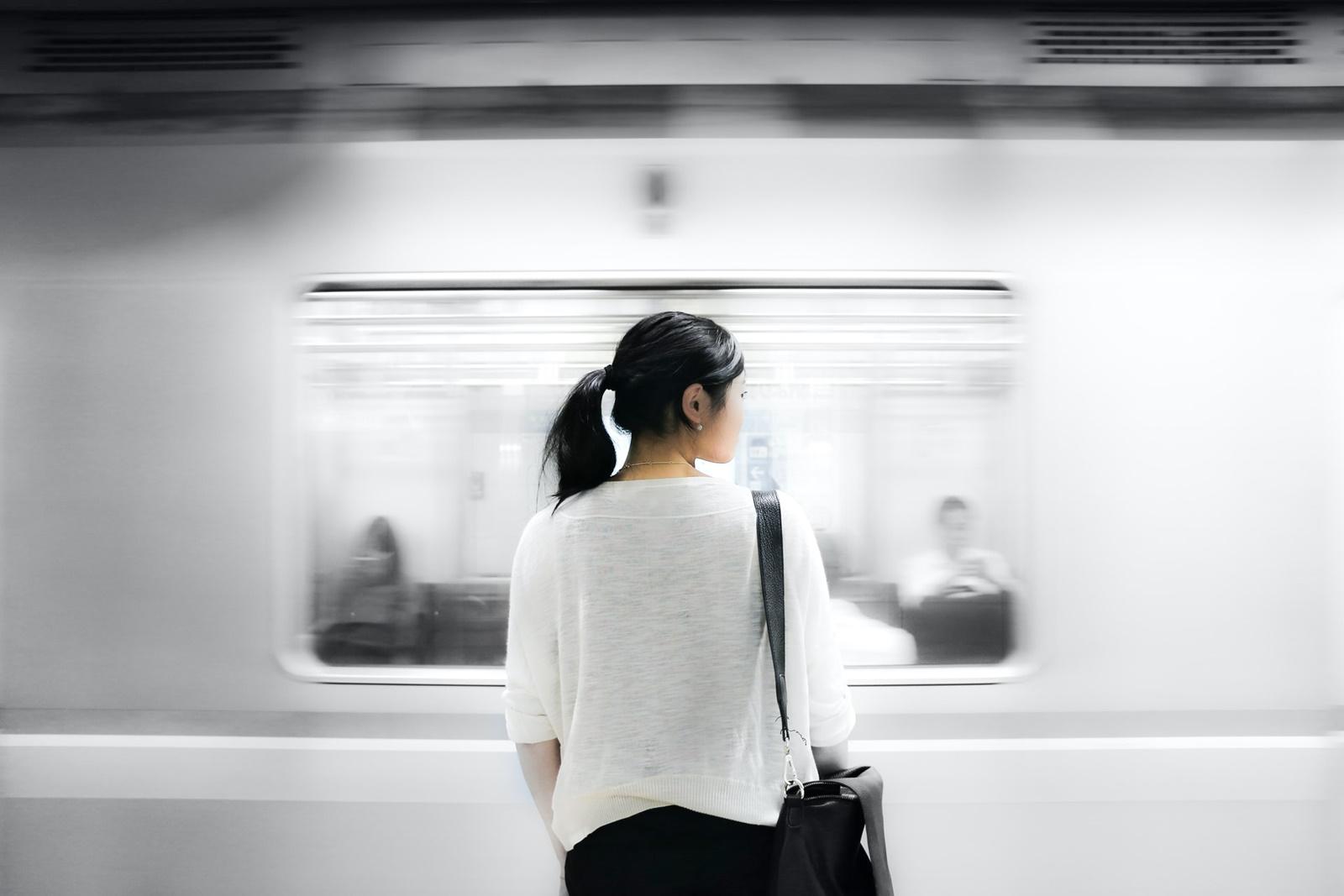 電車 一目惚れ 社会人 画像